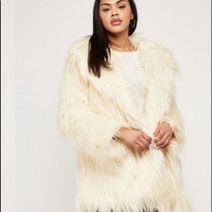 New URBAN OUTFITTERS BEIGE FLUFFY FAUX FUR OVERLAY